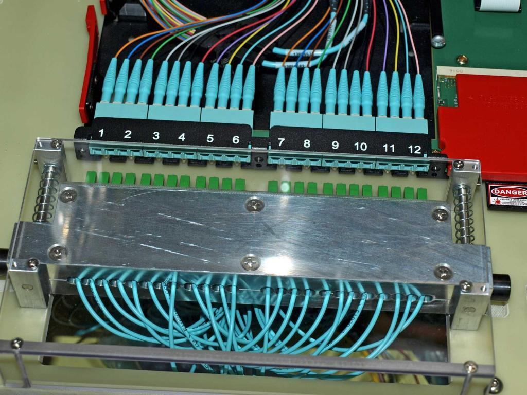 Side-access Fiber Optic Test Fixture